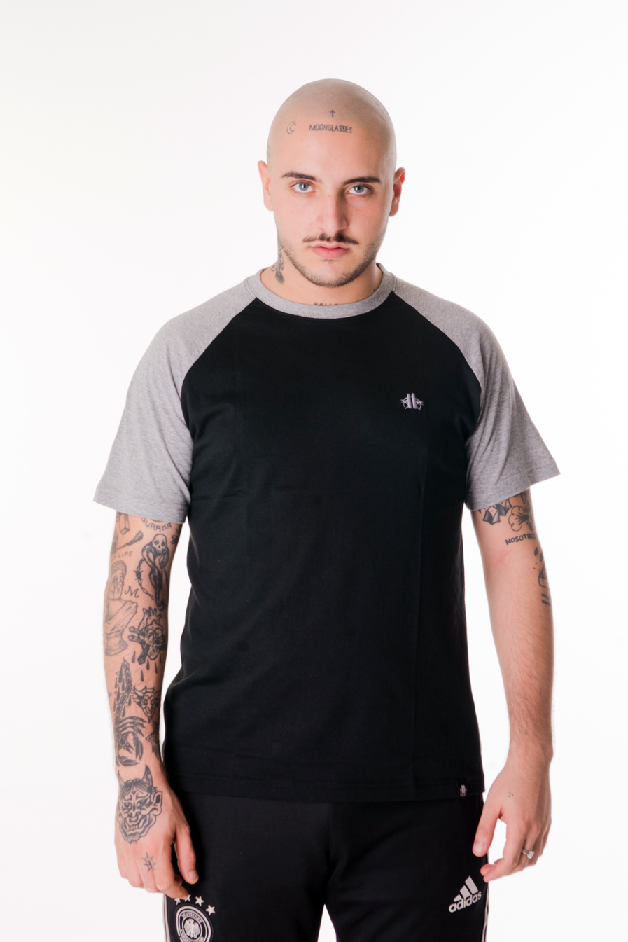 camiseta palms zity negra simple